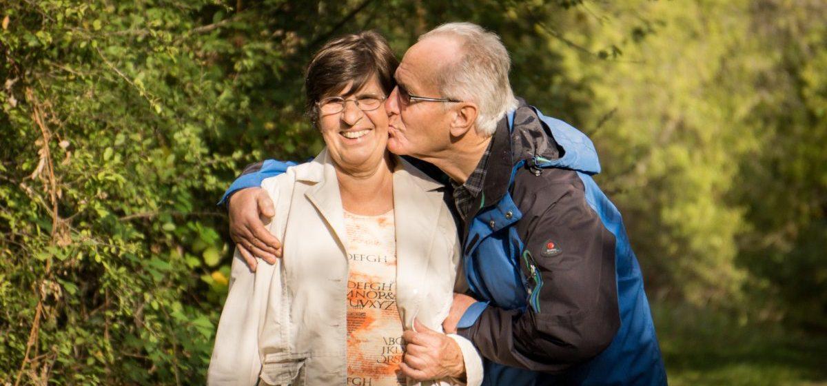 Почему женщины живут дольше мужчин: пять причин относительного долголетия
