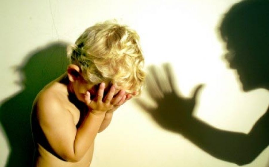 В Витебске мать избивала малолетнего сына за отказ поститься и молиться