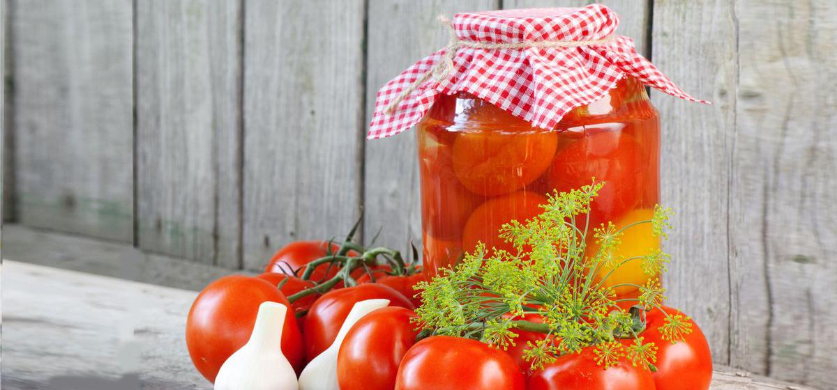 С алычой, в вине и «без одежды»: оригинальные заготовки из томатов