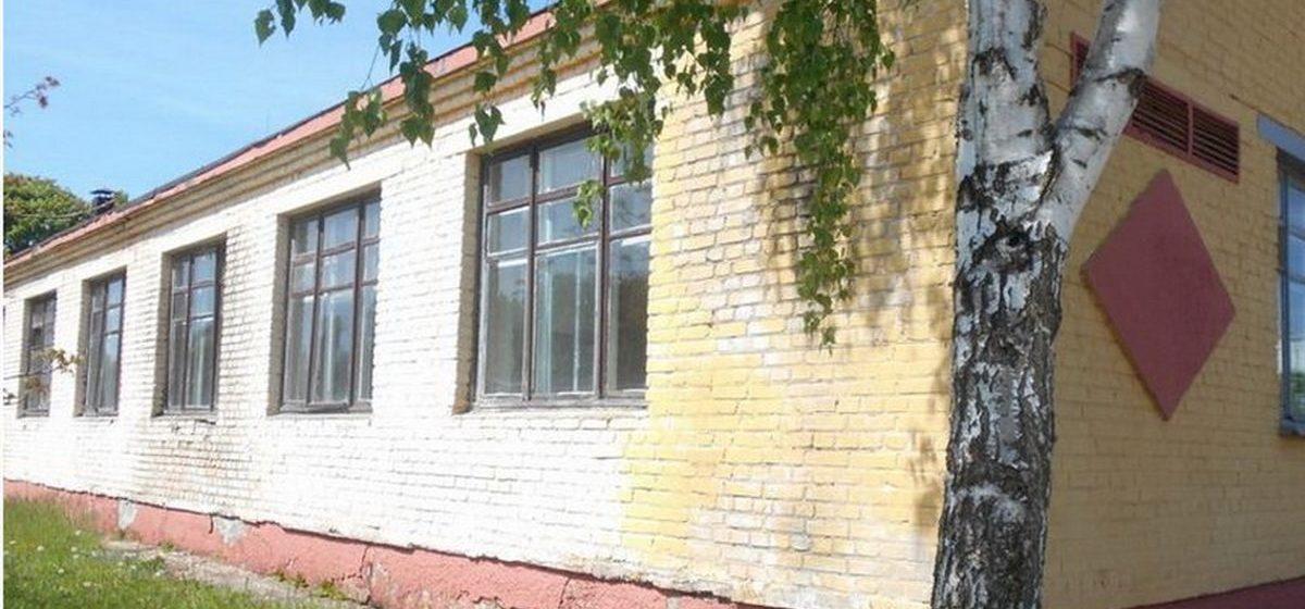 В Барановичах продают бывшую кухню-столовую в Военном городке