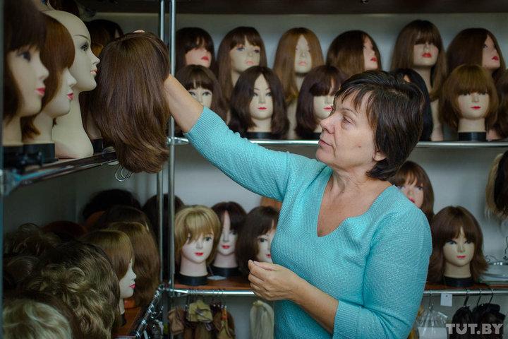 Как жительница Минска скупает чужие волосы и делает из них парики