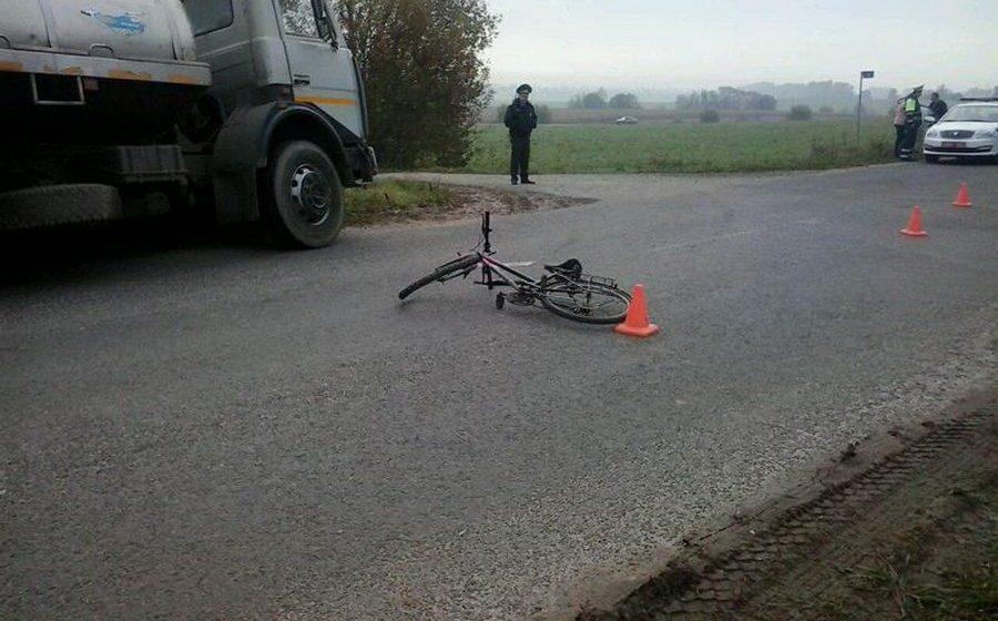 В Пружанском районе грузовик насмерть сбил 59-летнюю велосипедистку