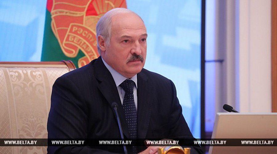 Лукашенко потребовал сделать тарифы ЖКУ «подъемными для народа»