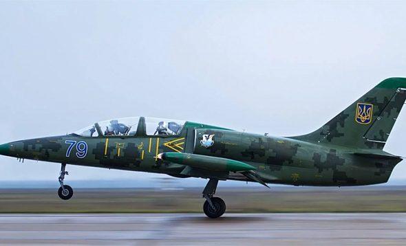 В Украине возле города Хмельницкий упал военный самолет