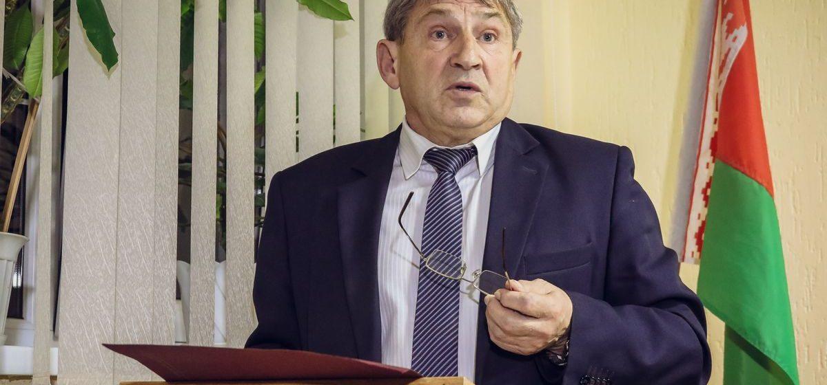 Жителям Барановичей снова пообещали зарплату в 1000 рублей. Но это не точно
