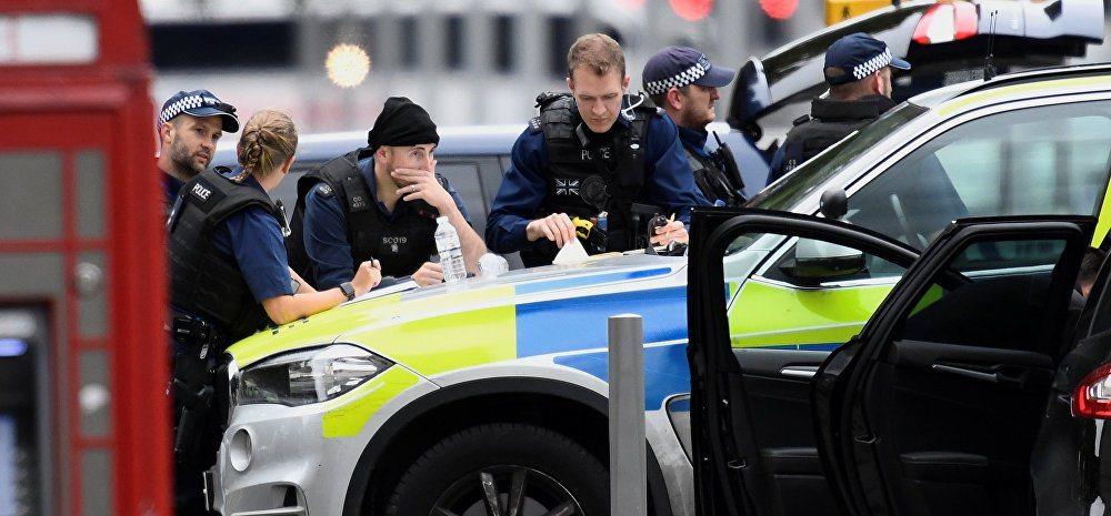В Лондоне автомобиль въехал в толпу пешеходов, есть пострадавшие