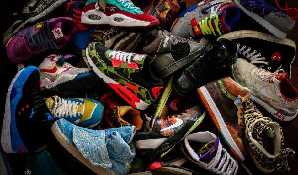 В Барановичах у предпринимателя изъяли 150 пар кроссовок