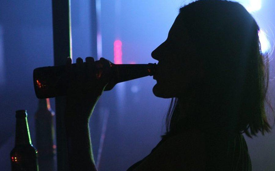 Британка, отмечая победу над раком, напилась до смерти