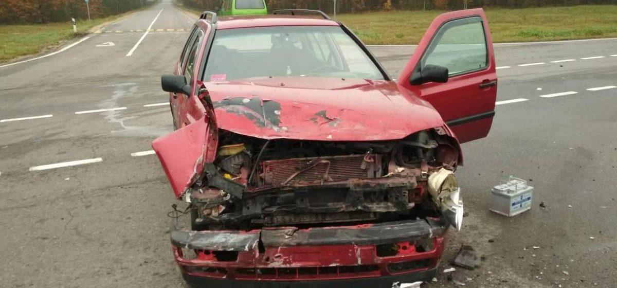 Под Пружанами столкнулись два Volkswagen — пострадало четыре человека