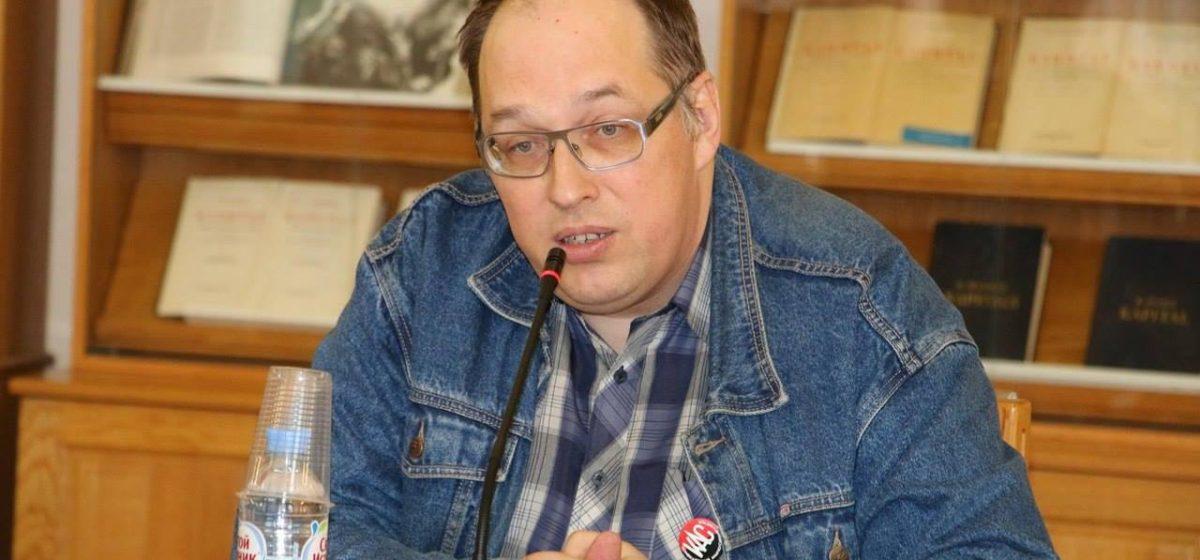 Российского историка Петра Рябова выпустили из Барановичского ИВС и депортировали в Россию
