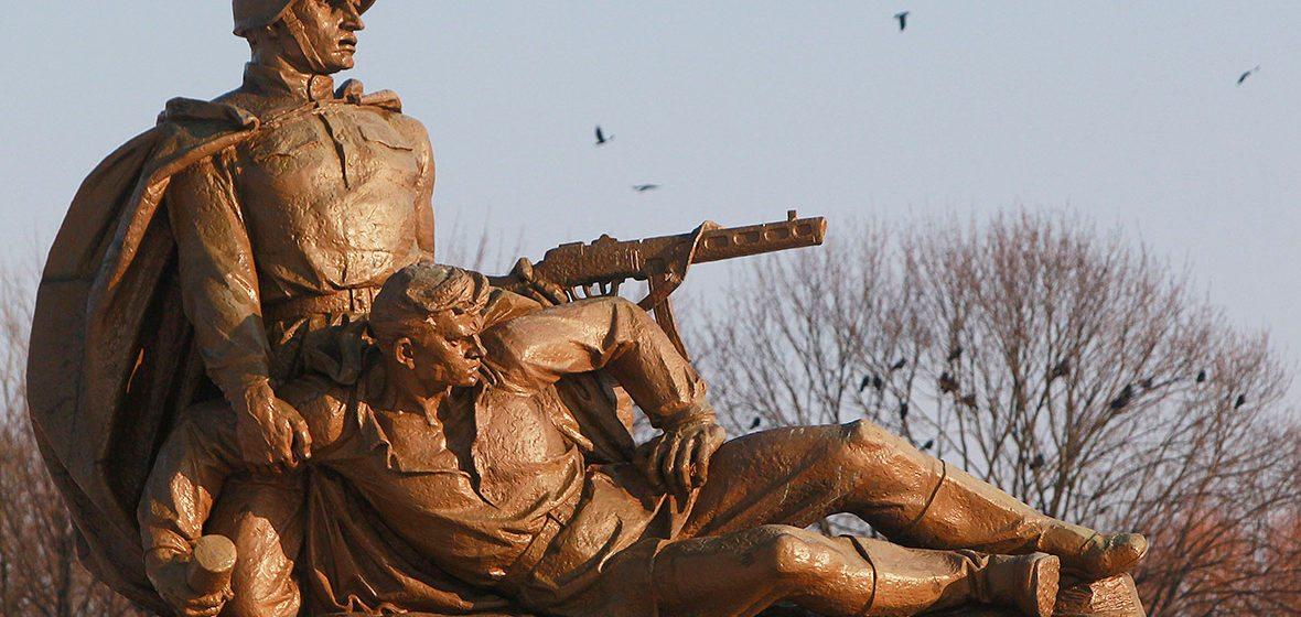 В Польше вступил в силу закон о сносе советских памятников