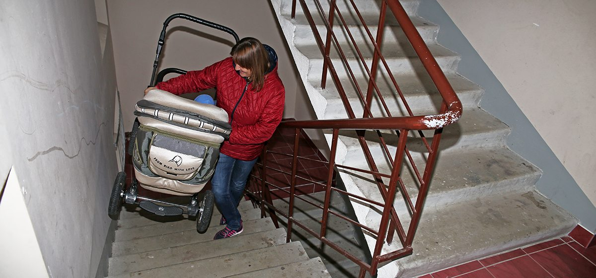 Случай в Барановичах: «Лифт открылся, закрылся, а потом кабина с оглушительным грохотом рухнула вниз»