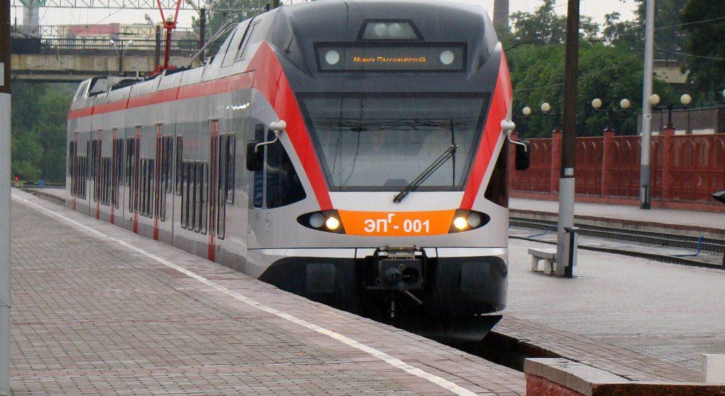 БЖД на время школьных каникул назначила дополнительные поезда