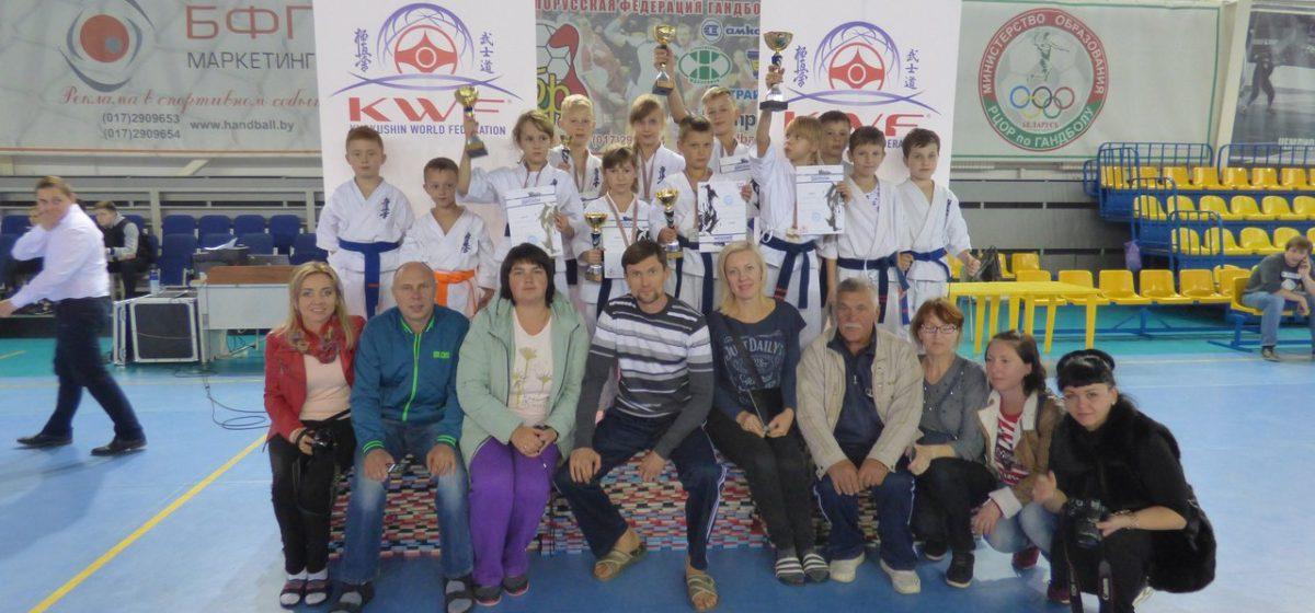 Семеро барановичских школьников стали призерами турнира по Киокушинкай каратэ