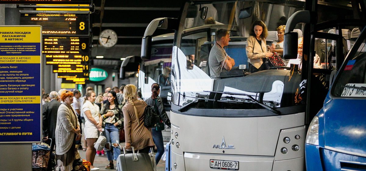 Белорусы стали чаще уезжать на заработки за границу – топ стран, куда соотечественники едут работать