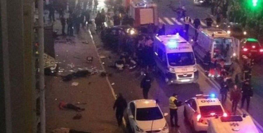 В Харькове девушка на Lexus врезалась в толпу прохожих, погибли шесть человек (видео 18+)