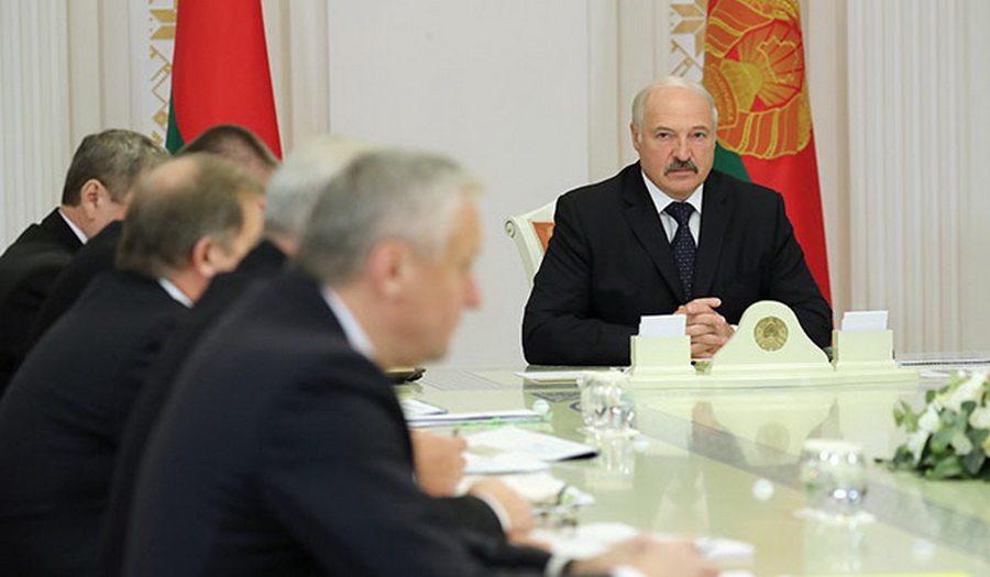 Лукашенко предупредил министров об итогах уборочной: упаси бог, если я вместо информации получу дезинформацию
