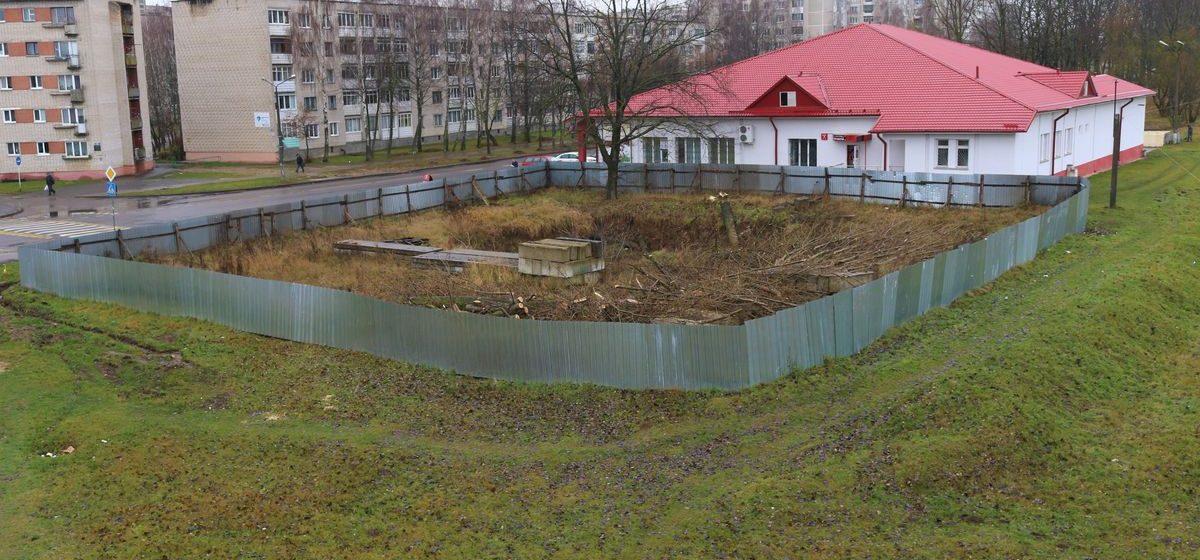 В Северном микрорайоне в Барановичах начали строить кафе с летней террасой