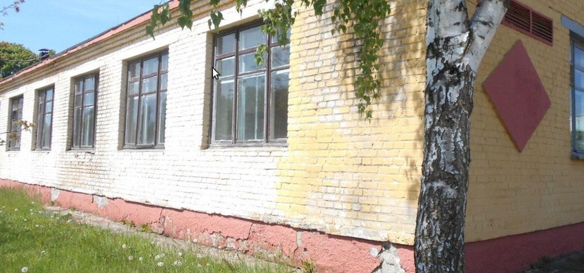 В Барановичах за полцены продают бывшую кухню-столовую в Военном городке