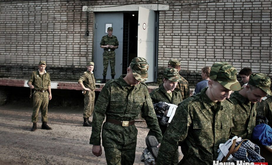 В Печах в «учебке», где служил Коржич, поменяют весь сержантский состав