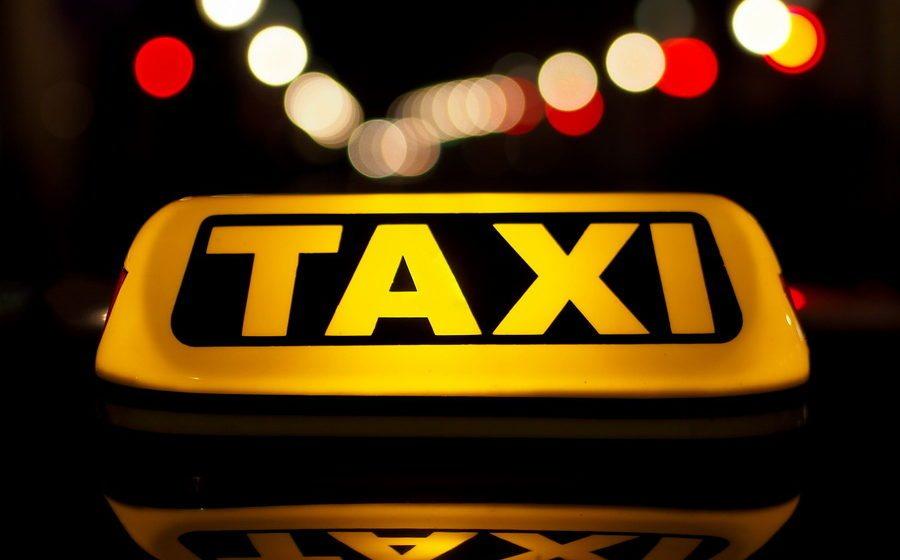 У минских таксистов-нелегалов представители налоговой службы арестовали 40 автомобилей