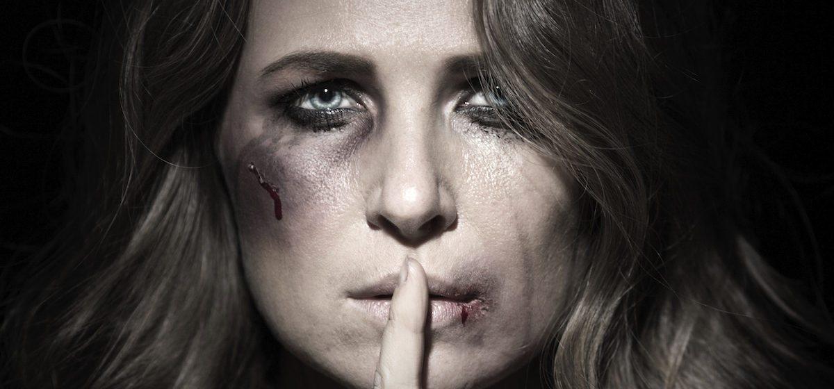 «По лицу никогда не бил, чтобы никто не догадался» – три истории барановичских женщин – жертв домашнего насилия