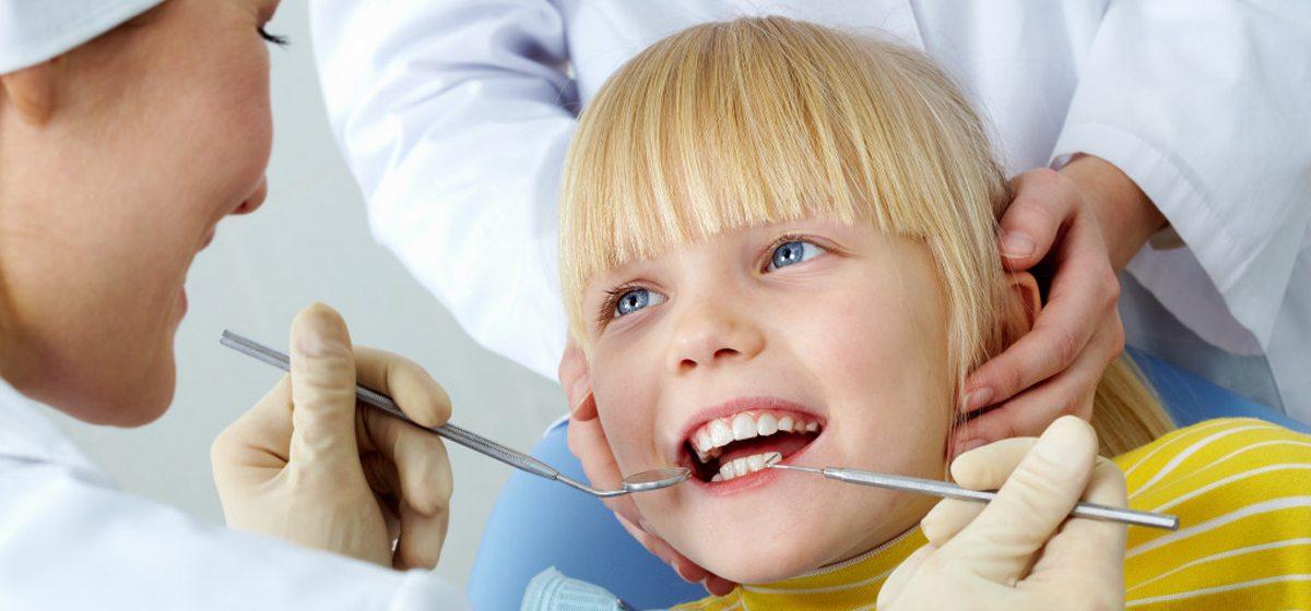 Советы стоматолога. Надо ли лечить кариес на молочных зубах