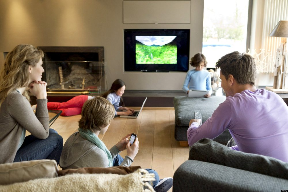 negatives of television and video games Advantages and disadvantages of playing video games computers have become an integral part of our lives and our homes this has given children an easy access to video games and a lot of them play them all the time.