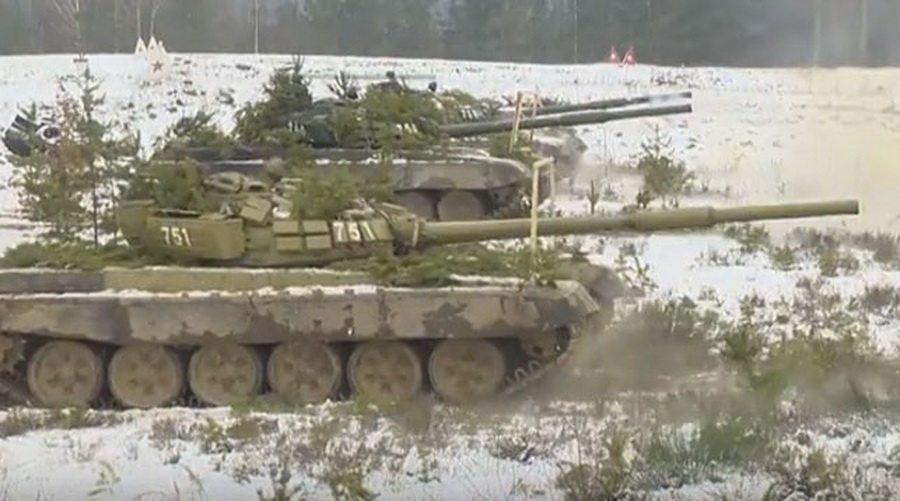 На полигоне под Борисовом танкисты отстрелялись на дальность 6000 метров