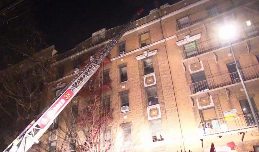 В жилом доме в Нью-Йорке на пожаре погибли 12 человек, в том числе и годовалый ребенок
