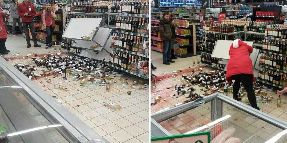 Фотофакт. В минском магазине рухнули полки с алкоголем