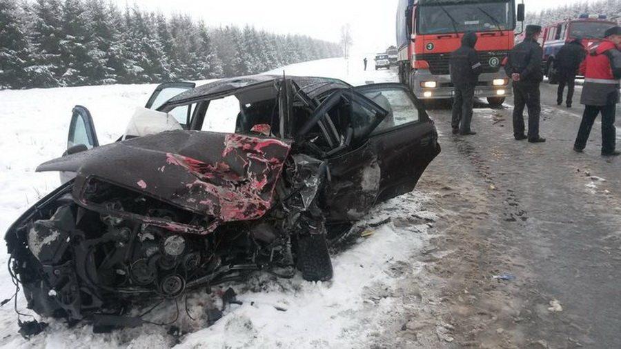 В Чериковском районе лоб в лоб столкнулись Audi и Lada – погиб один человек
