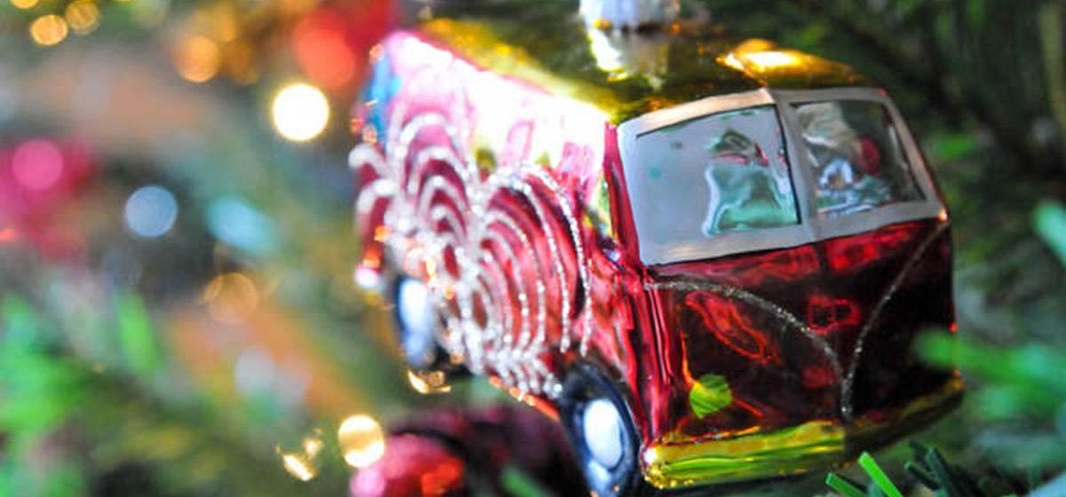 В барановичских городских автобусах пассажиров будут развлекать Дед Мороз и Снегурочка