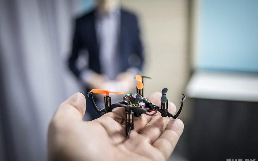 Японская компания создала дрон для борьбы с трудоголиками в офисе