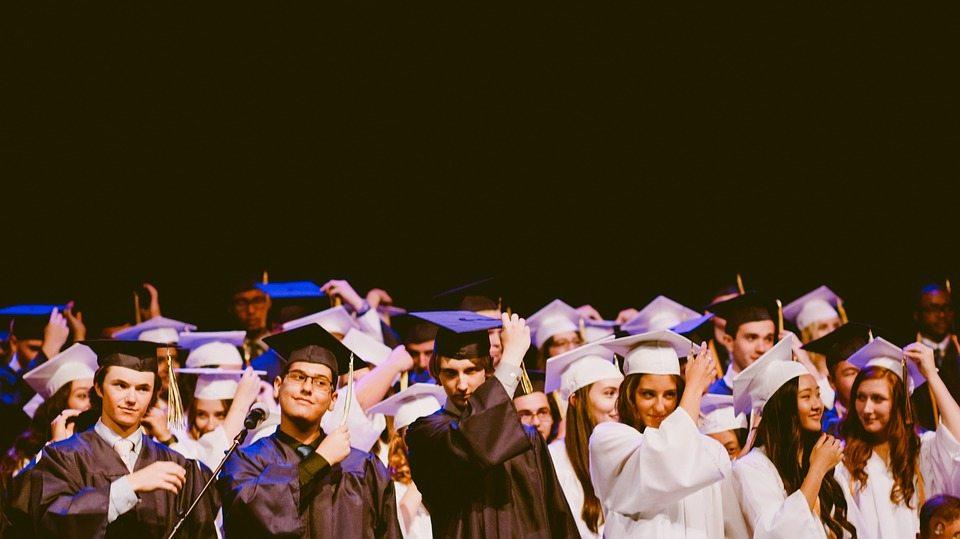 Студенты смогут без проблем переходить из одного вуза в другой, а специальностей станет меньше. Как будут менять Кодекс об образовании
