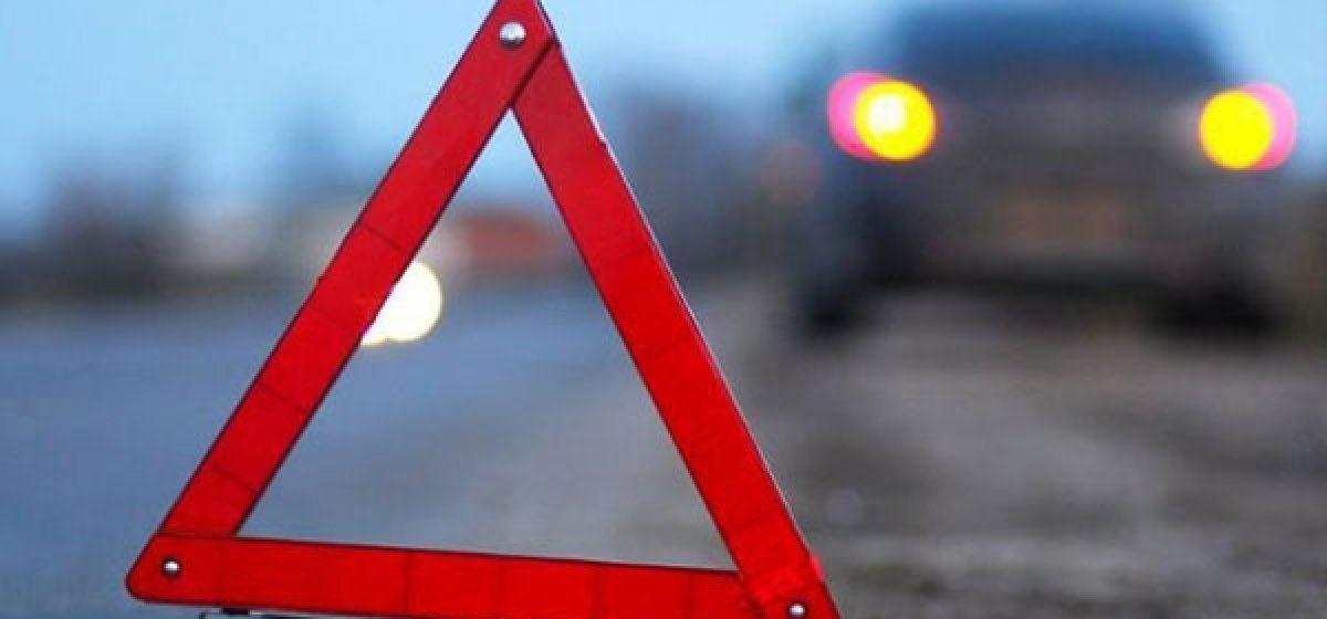 В Орше на пешеходном переходе микроавтобус сбил двух школьниц