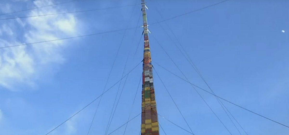 В Тель-Авиве построили самую высокую в мире башню из детского конструктора (видео)