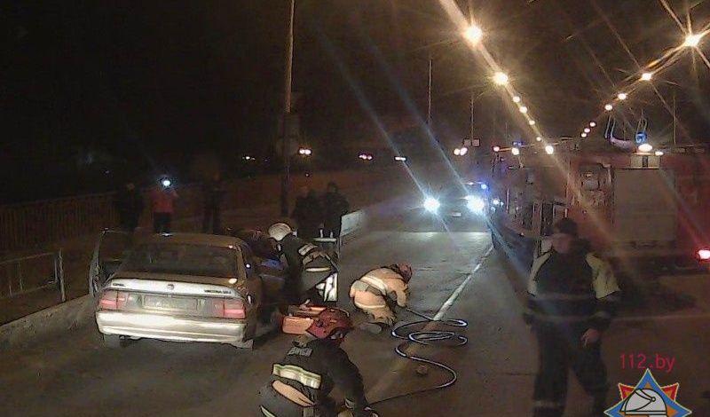 Появились фото и видео с места аварии на путепроводе в Барановичах