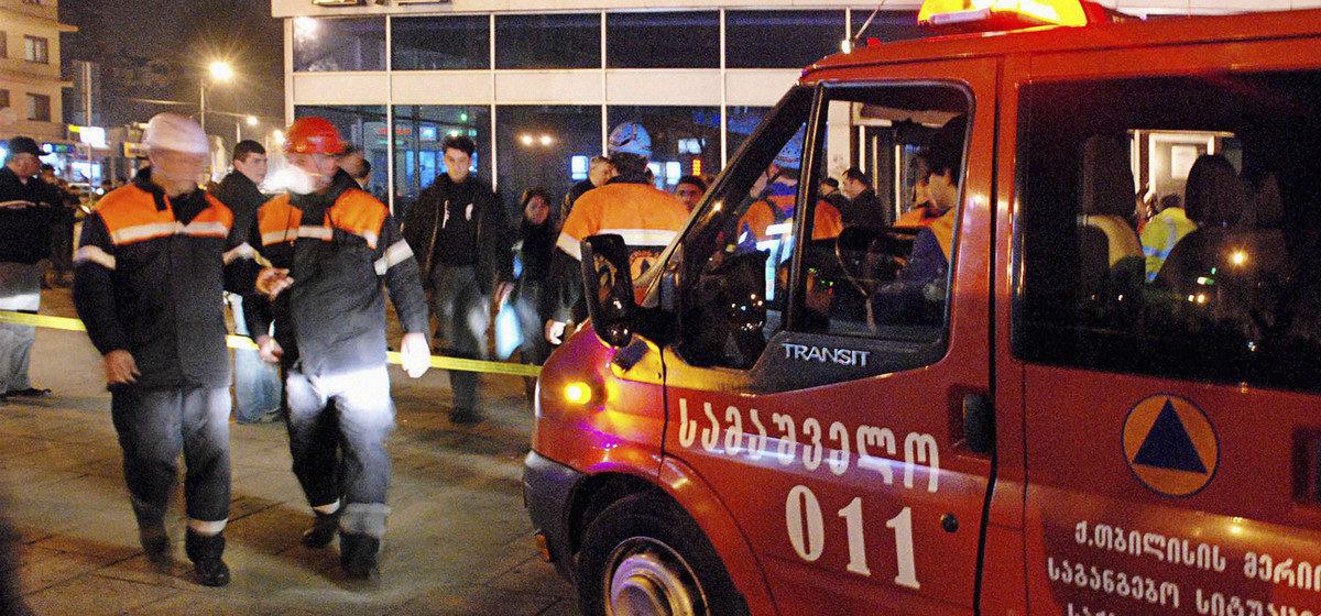 В Тбилиси в метро обрушился потолок, пострадали 11 человек (видео)