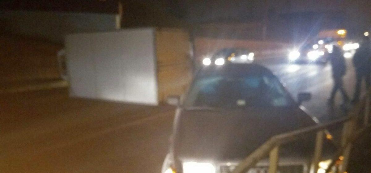 В Витебске ловили пьяного пешехода, из-за которого в аварию попали две машины