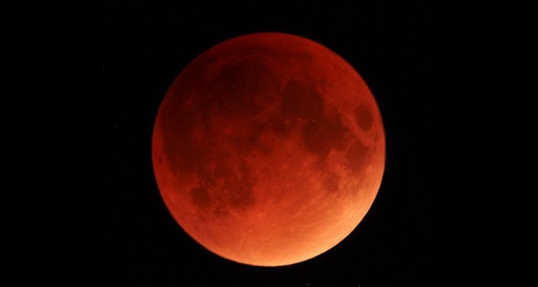 В среду, 31 января, над Беларусью взойдет «красная суперлуна»