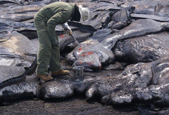 Опасная профессия: исследователь вулканов Максим Криппа