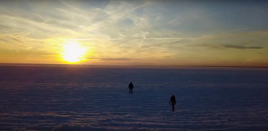 Видеофакт. В США из-за аномального холода замерз океан