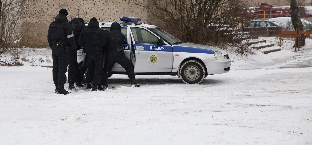В Барановичах мужчина с гранатой пришел в дом бывшей сожительницы и стал требовать алкоголь