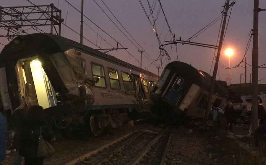 В Италии с рельсов сошел пассажирский поезд, есть погибшие