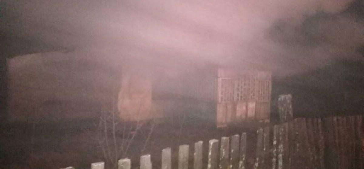 В Барановичском районе горел жилой дом