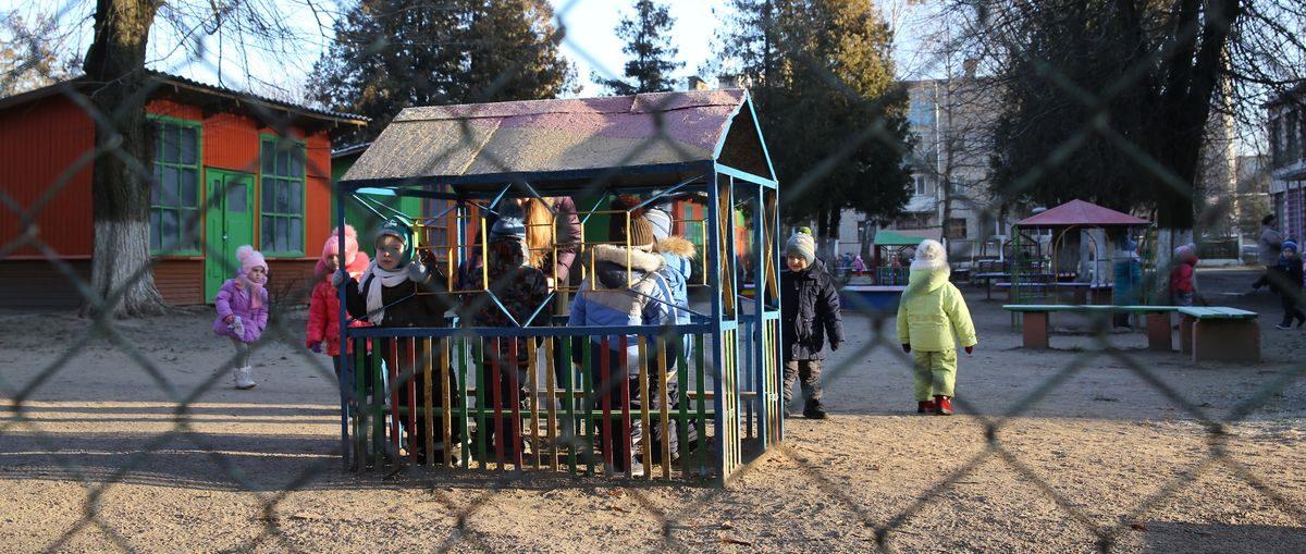 Должны ли быть закрыты калитки и двери в детские сады Барановичей в течение рабочего дня?