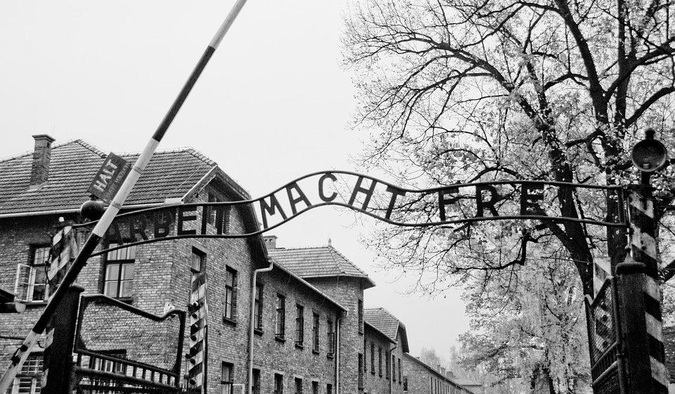 В Польше начался суд над белорусами за осквернение мемориала в Освенциме
