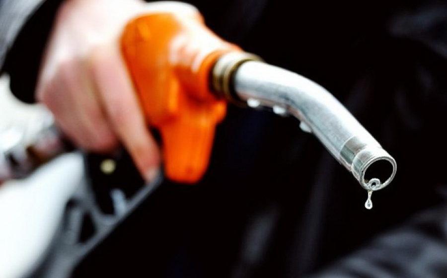 «От стоимости сырья до ставок акцизов». Как белорусам объясняли, почему подорожал бензин