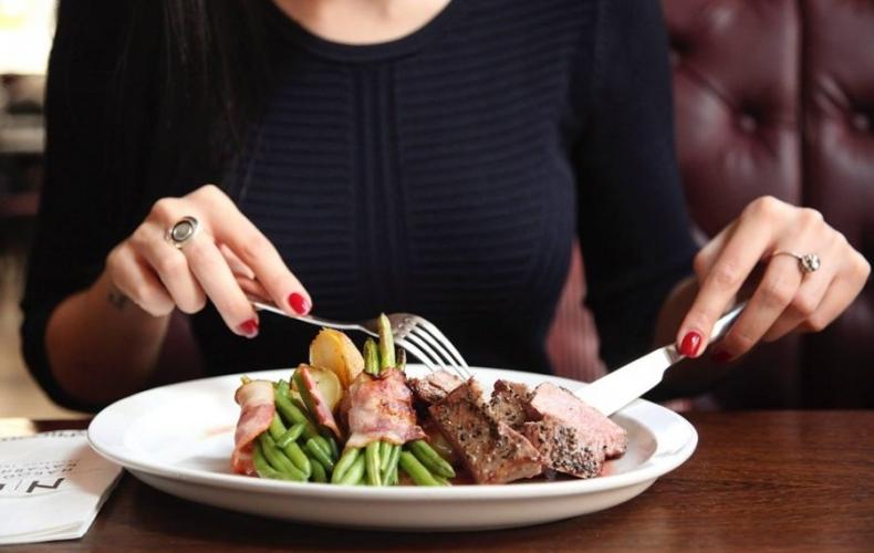 Белстат: В 2017 году белорусы стали больше покупать еды